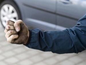 Побеснял шофьор потроши с тръба моторист заради бибиткане