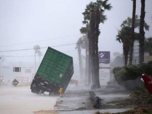 """Жертви и ранени от мощния ураган """"Харви"""" в САЩ  ВИДЕО"""