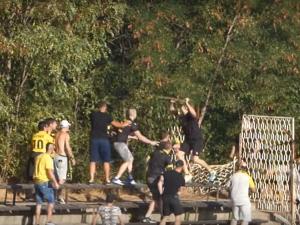 Охранител и фен са с наранявания след боя между футболни запалянковци в Пазарджик ВИДЕО+СНИМКА