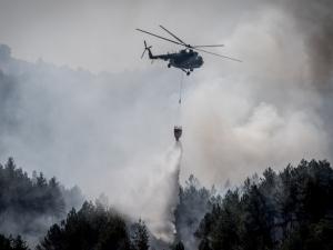 Евакуират жители на село, застрашено от страшния пожар над Кресна