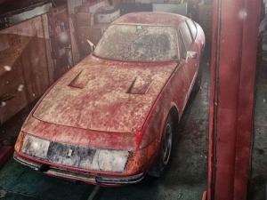 Продават единственото по рода си ферари, престояло 40 години в гараж