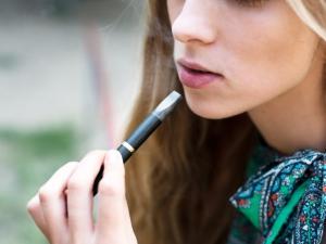 Пушачи броят по 13 долара за кутия цигари в Ню Йорк