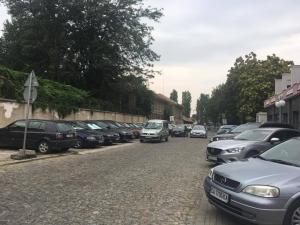 Всички, които паркират в центъра, са равни, но някои са по-равни от другите