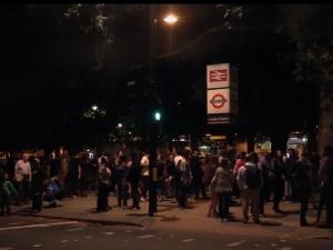 Евакуираха стотици души в Лондон заради взрив на електронна цигара