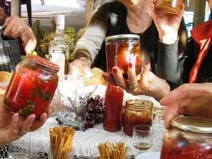 Започва фестивалът на чушките и доматите! Майстори на лютеницата се стичат към Пловдивско