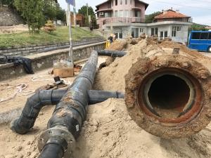 Пуснаха водата в Куклен, в града тече мащабен ремонт СНИМКИ