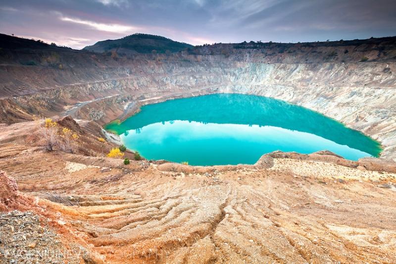 Опознай родината: Уникален рудник и мраморно езеро само на час път от Пловдив СНИМКИ и ВИДЕО