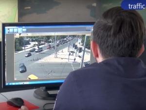"""Как се борят със задръстванията в Пловдив и как работят """"умните"""" светофари ВИДЕО"""