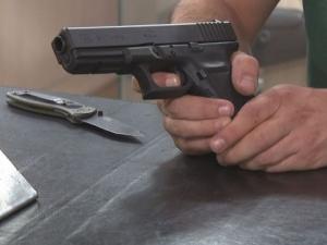 Мъж с кожено яке е дал пистолета на 6-годишния Юри ВИДЕО