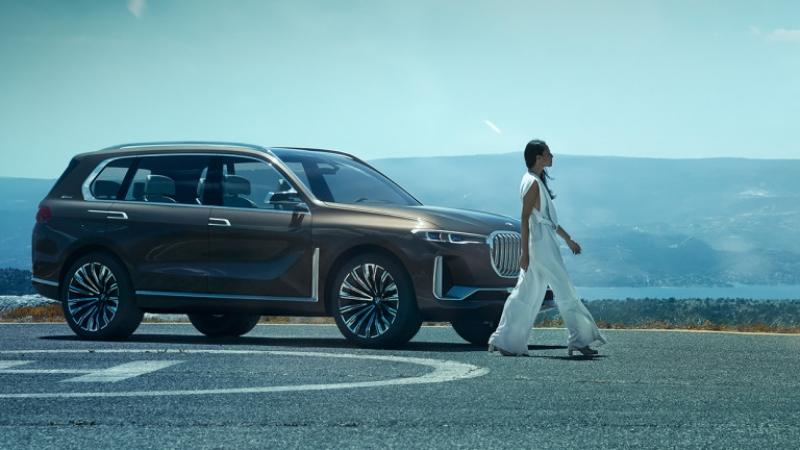 Така изглежда големият кросоувър BMW X7 СНИМКИ