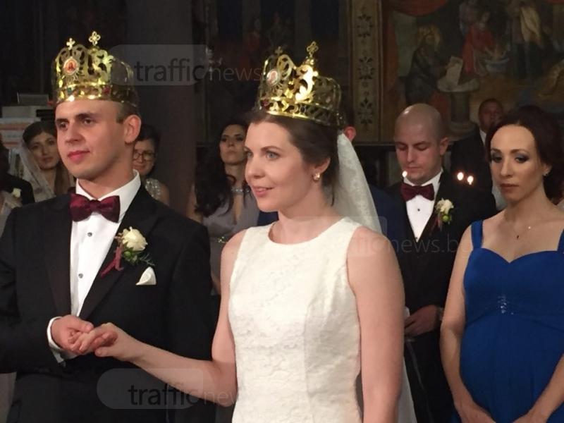 Международна сватба в Стария град събра погледите на пловдивчани СНИМКИ