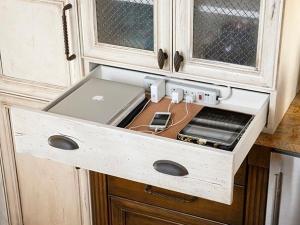 Скрийте кабелите и разклонители в дома си с няколко хитри идеи СНИМКИ