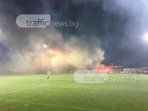 Фенът, нахлул на терена по време на мача Ботев-Левски, прекара нощта в ареста