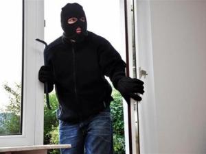 Крадци нахлуха през терасата в дома на 26-годишна пловдивчанка