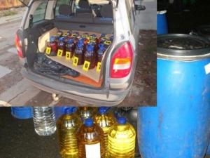 Униформени спряха шофьор и се натъкнаха на... 300 литра алкохол в пластмасови туби!