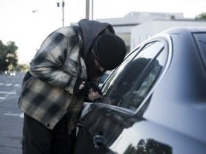 Нова мода сред автоджамбазите: Крадат дистроници
