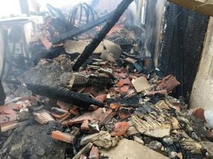 7 къщи изпепелени до основи при пожара край Пловдив СНИМКИ+ВИДЕО