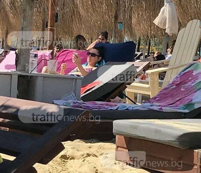 Жени Калканджиева отмаря в Гърция редом с пловдивчани СНИМКИ