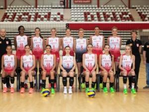 Динамо Букурещ идва на Купа Пловдив с 44-годишна волейболистка