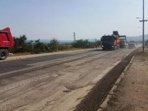 Наливат 3 милиона лева в пътя Карлово - Баня