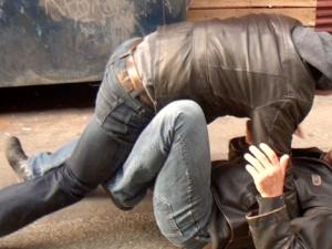 Мъж е с опасност за живота след сбиване на пазар в Сливен