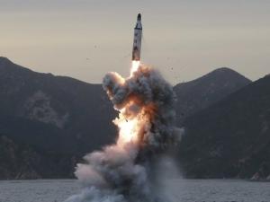 Северна Корея заплаши, че ще потопи Япония с ядрена бомба