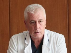 Министърът на здравеопазването е приет по спешност в болница