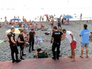 Арестуваха лекарки на плаж в Турция - пиели бира СНИМКА