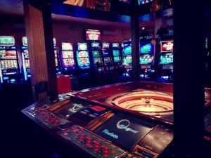 Крупен обир в казино в Кършияка! Бандити разбиха сейф с 20 бона