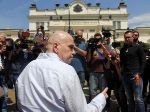 Успехът на политическия проект на Слави зависи откъде ще намери финансиране, смята Кошлуков