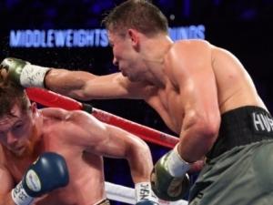Най-чаканият боксов дуел завърши изненадващо противоречиво, ще има нов мач