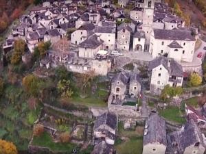 Най-малкото село в Швейцария става хотел ВИДЕО