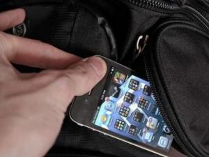 Три места, на които да не носите телефона си