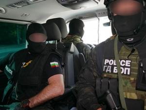 Турчина, Коня и Черния арестувани при зрелищна акция след грабеж