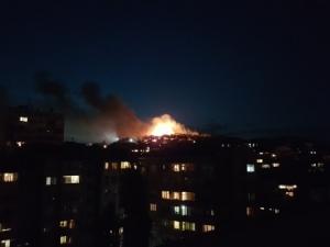 Пожар избухна край ромската махала в Стара Загора