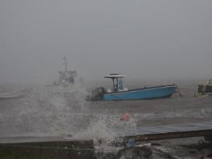 """Ураганът """"Мария"""" вече е пета категория, връхлетя Доминикана"""