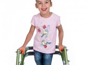 Да помогнем на малката Криси да проходи! СНИМКИ И ВИДЕО