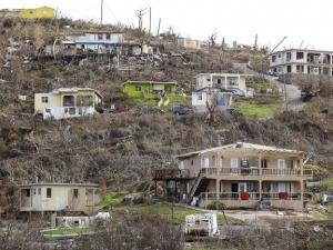 """Ураганът """"Мария"""" взе осем жертви"""