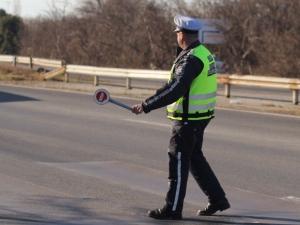 Спипаха двама шофьори без книжка в Пловдивско