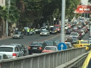 Катастрофа блокира движението към Бетонния мост СНИМКИ