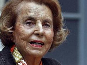 Световните агенции предават: Издъхна най-богатата жена в света! СНИМКИ