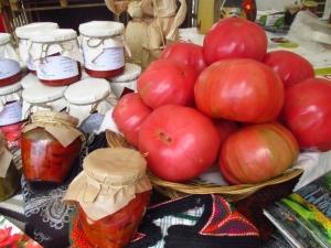 Пловдивчани дегустираха от най-вкусната лютеница и здравословен хляб СНИМКИ