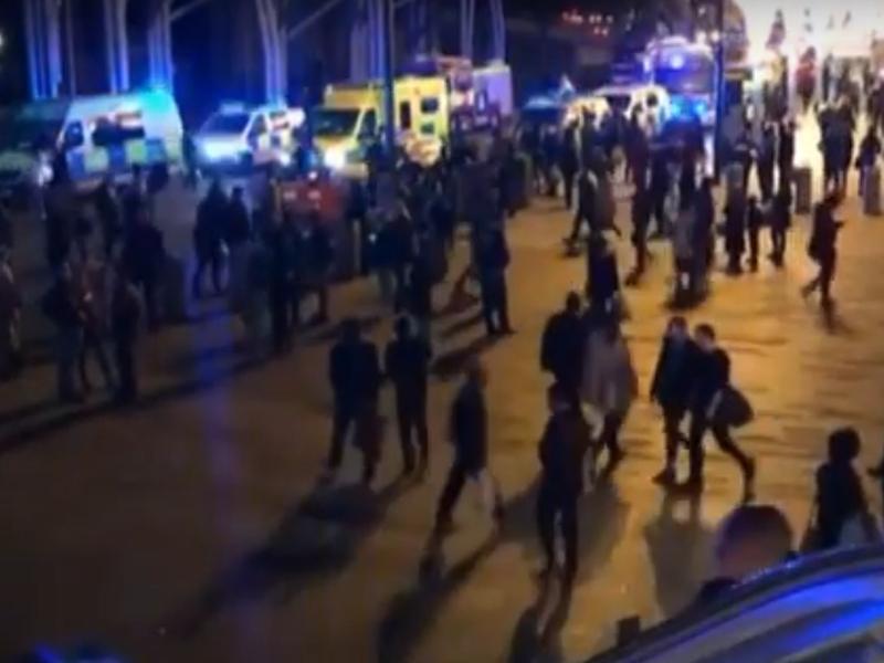Атака с киселина в Лондон, шестима са пострадали