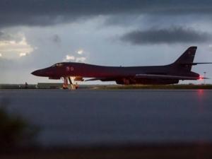 Бойни самолети на САЩ прелетяха край Северна Корея