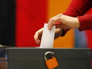 Германците гласуват, ще остане ли Меркел на власт?
