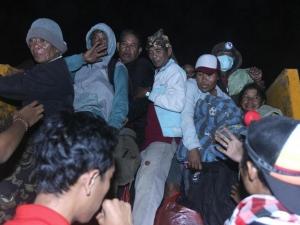 34 000 души евакуирани заради действащ вулкан в Индонезия