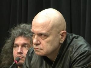 Слави Трифонов прави кастинг за политици
