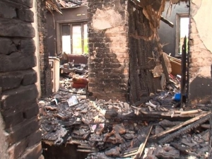 Повторна трагедия! Къщата на многодетното семейство от пловдивско отново изгоря СНИМКИ и ВИДЕО
