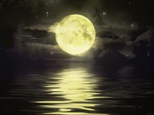 Златна Луна? Какъв щеше да бъде светът, ако месечината бе от чисто злато?