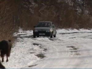 Заради снега: Затварят прохода Троян-Кърнаре за камиони
